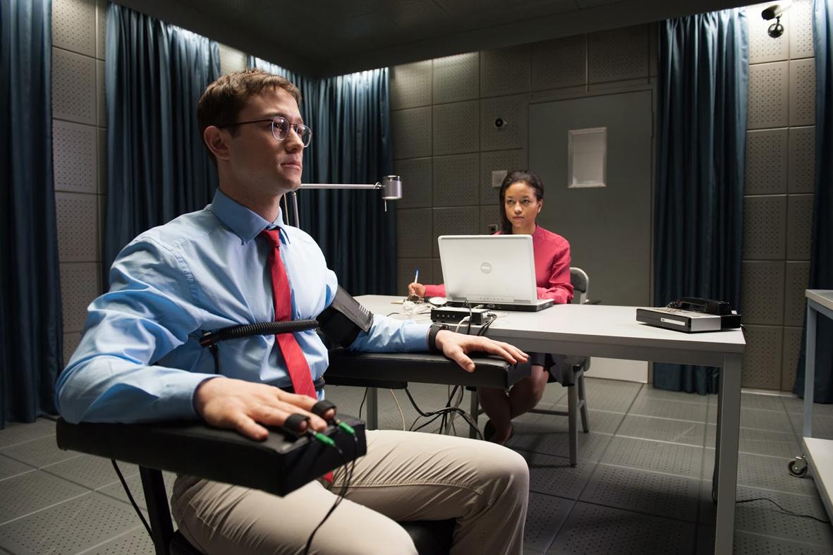 """Recenzja filmu """"Snowden"""" (2016), reż. Oliver Stone"""