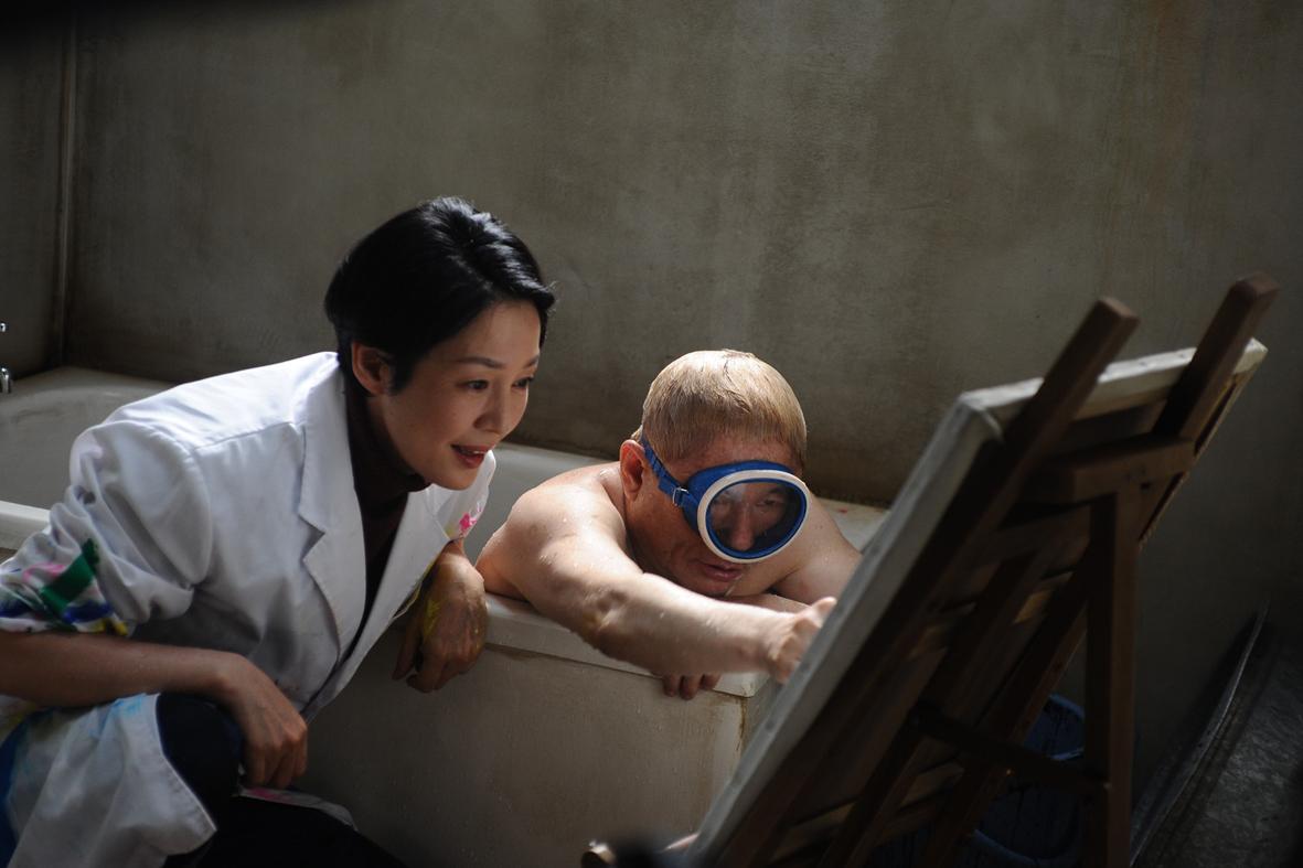 """Recenzja filmu """"Achilles i żółw"""" (2008), reż. Takeshi Kitano"""