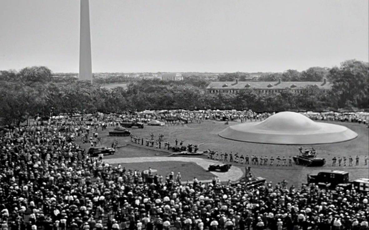 """Recenzja filmu """"Dzień, w którym zatrzymała się Ziemia"""" (1951), reż. Robert Wise"""