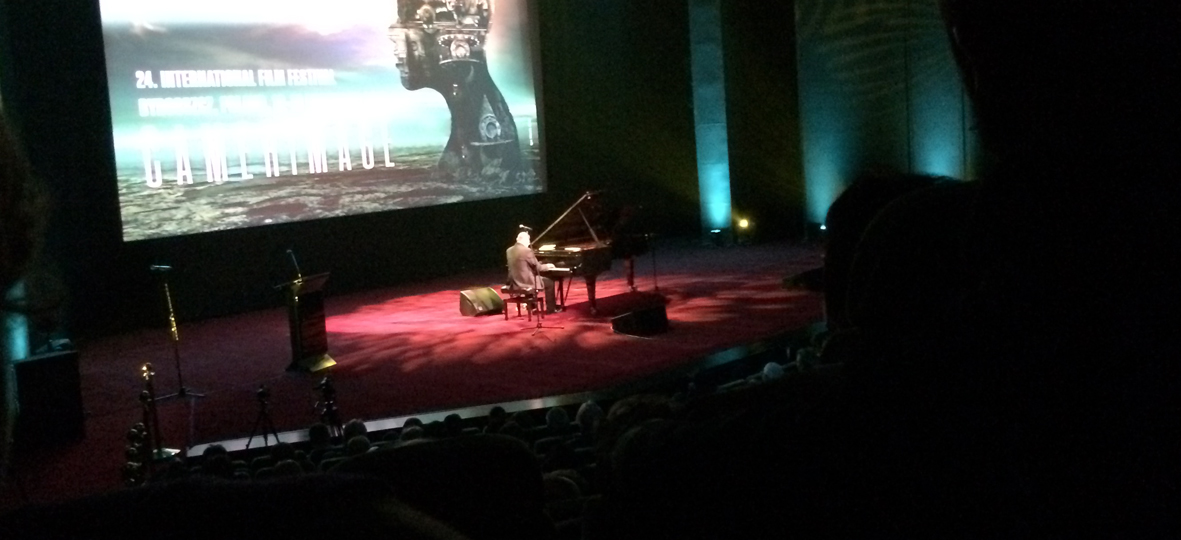 Włodzimierz Pawlik na fortepianie